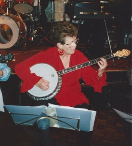 Pauline Gibson, Plectrum Banjo Player, member of Banjovi Revival