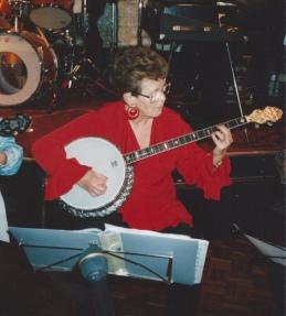 Pauline Gibson, Plectrum Banjo Player, member of Banjovi Revival
